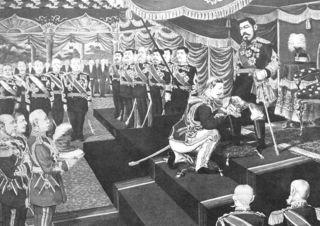 ガーター勲章をコノート公爵より伝達される明治天皇(1906年)。.jpg