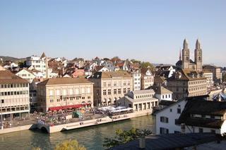 スイス・チューリヒの街並.jpg
