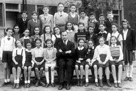 上海のユダヤ人学校の生徒たち.jpg