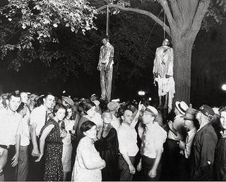 狂気は個人にあっては稀なことである。しかし集団・民族・時代にあっては通例である。.jpg